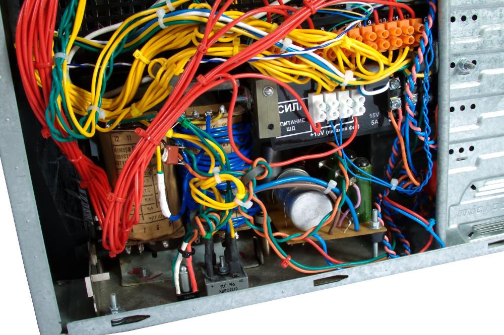 Prototyp modułu sterowania i zasiłania 3D frezarki (zdjęcie 4)